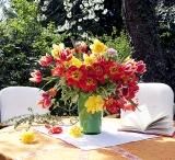 calendar bouquets luna aprilie