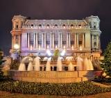 Calendar de perete Bucharest at night 2015 - luna Aprile