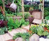 Calendar de perete Gardens 2015 - LunaAprilie
