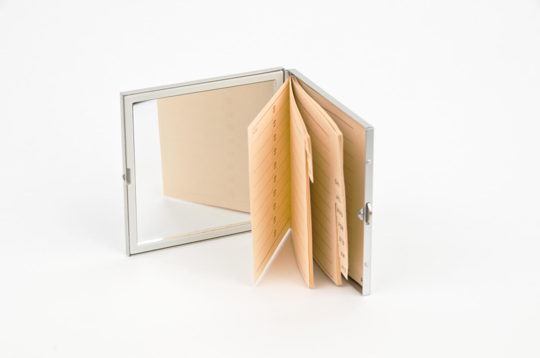 mini agenda de posta cu oglinda si interior agenda talefonica