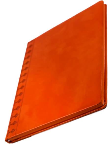 sette cu decor portocaliu